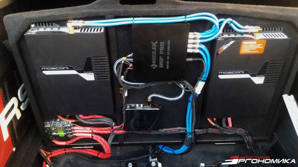 Установка и коммутация процессорной аудиосистемы в Audi RS7